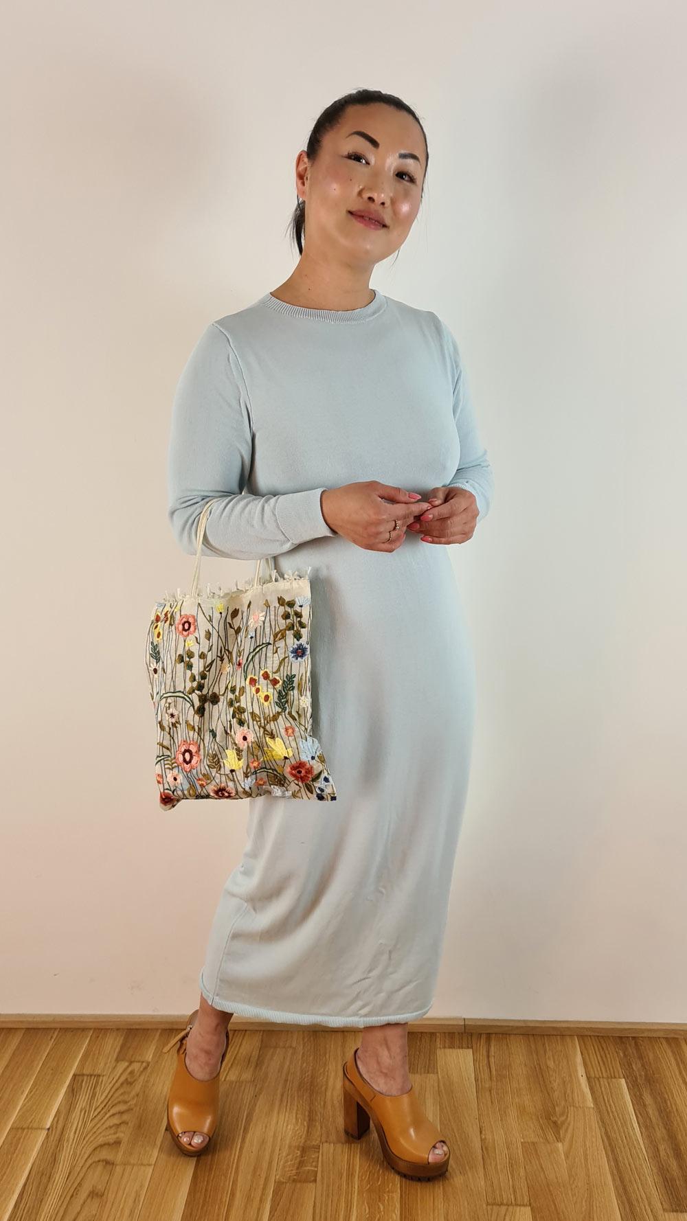 Fruehling-Kleid-Blau