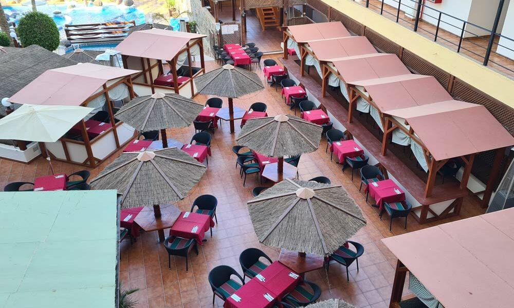 Maritim-Hotel-Frühstücks-Terrasse